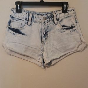 MOSSIMO HIGH RISE SHORT